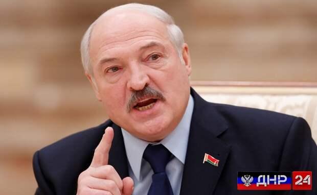 Лукашенко заявил о готовности разговаривать с Москвой о задержанных россиянах