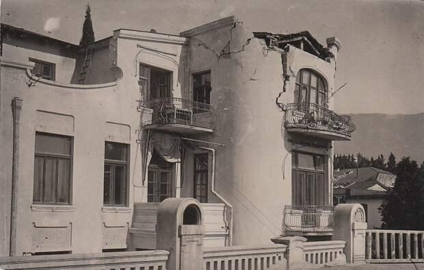 Советы — отдыхающим. Как выглядела курортная Ялта в 20-30-е годы