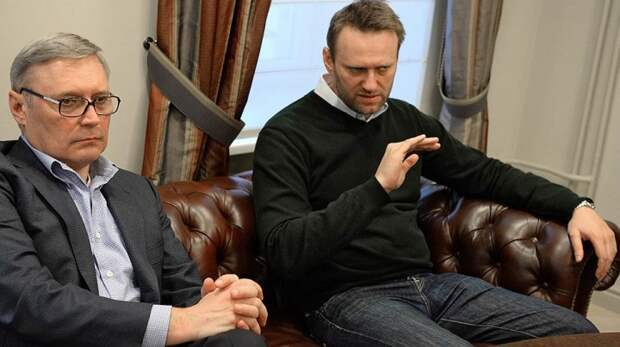 Три источника и три составные части перформанса с Касьяновым