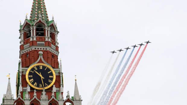 Штурмовики Су-25 на воздушном параде Победы в Москве, 9 мая 2020 года