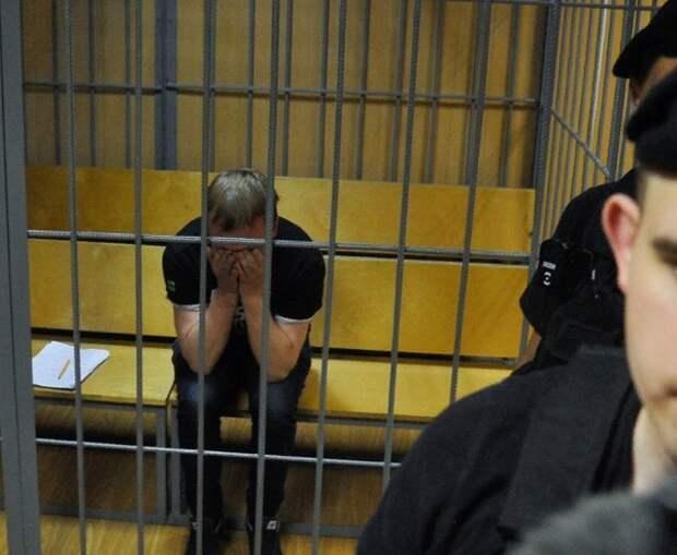 Экс-полицейским, задержавшим Голунова, предъявили обвинения по трём статьям