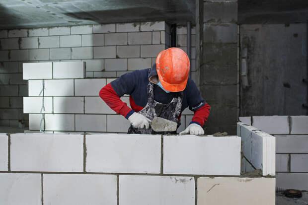 ВРоссии открыли бесплатные курсы каменщиков. Доход выше, чем ууправленцев