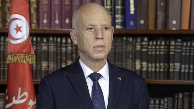 Президент Туниса обсудил вопросы борьбы с COVID-19 c представителем ВОЗ