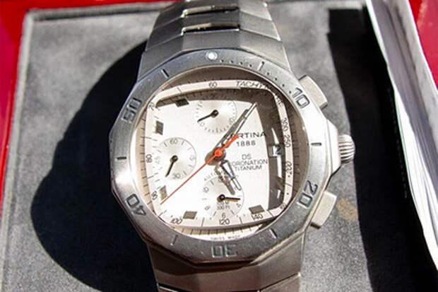 Россиянин продает часы от Путина за 22 миллиона рублей