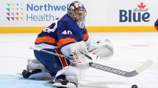 Вратарь «Айлендерс» Варламов установил рекорд НХЛ