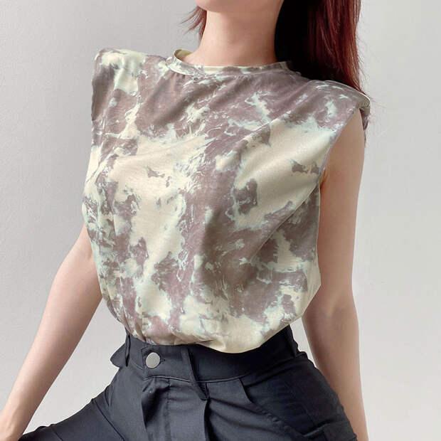 5 модных футболок с подплечниками с Алиэкспресс не дороже тысячи рублей