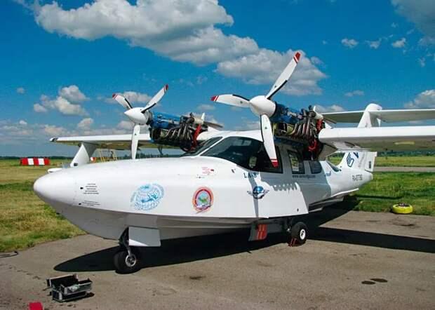 Самолёты-амфибии могут не только приземляться на грунт, но и садиться на воду