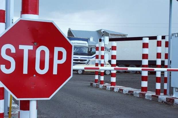 Путин продлил запрет на транзит украинских товаров