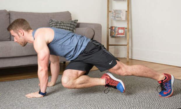 Прокачка всего тела за 10 минут: тренер показал зарядку на замену спортзалу
