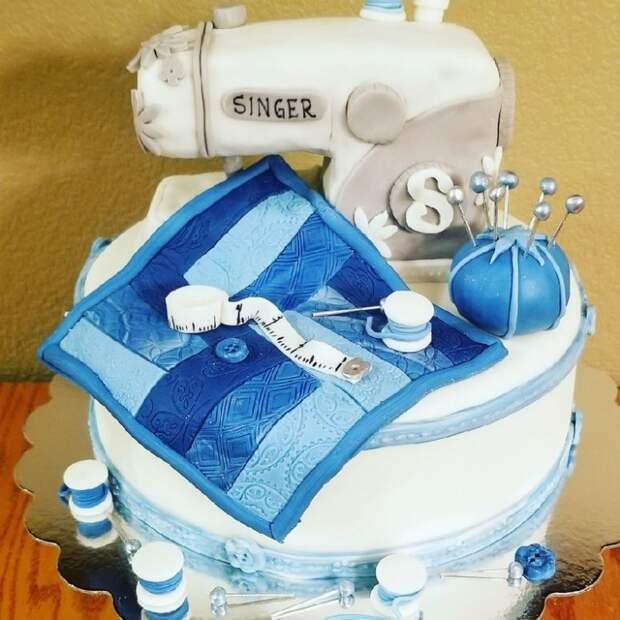 торт швейные машинки