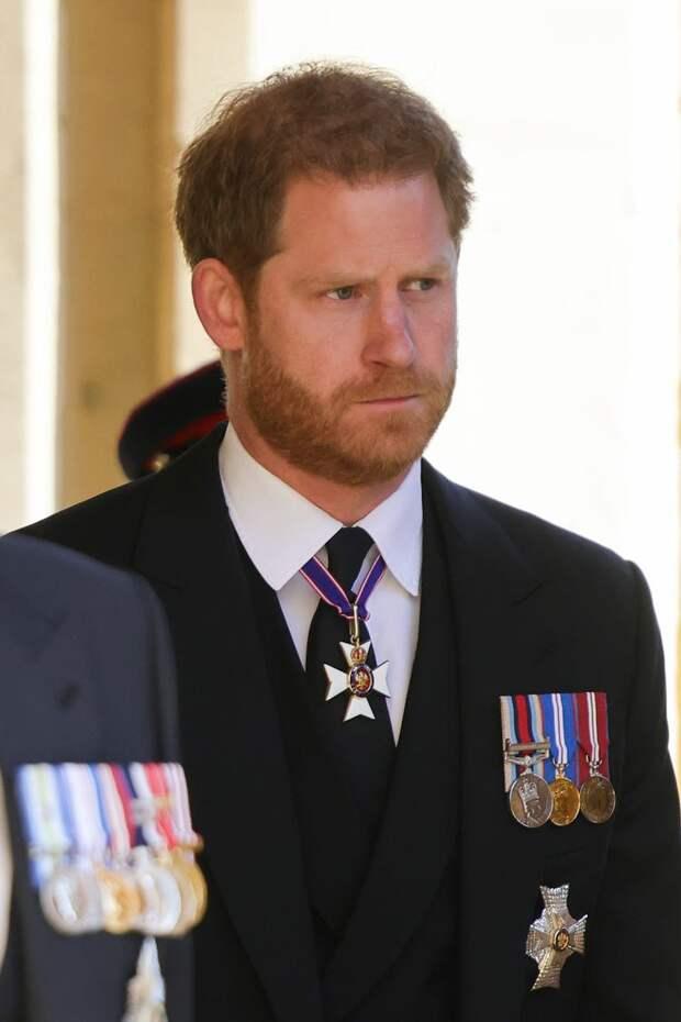 Принц Гарри на похоронах принца Филиппа