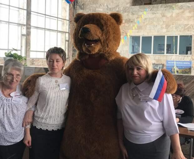 Медведь, ракета и Дед Мороз выбрали президента России