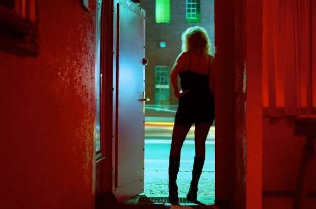 ВШвейцарии снова открываются бордели: вот новые правила работы проституток