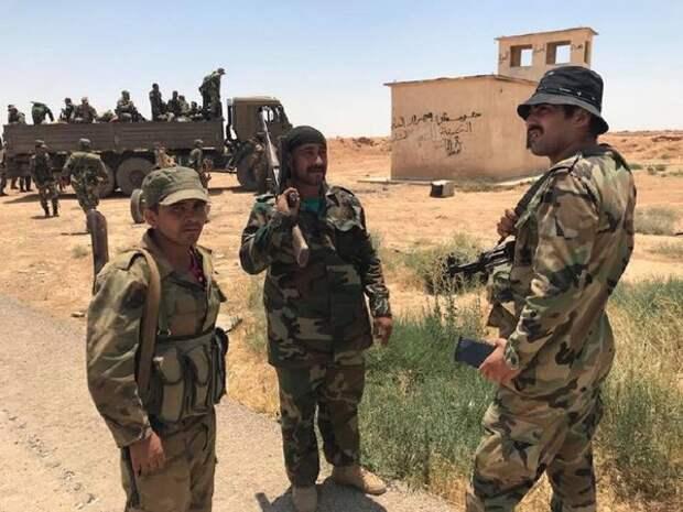 Сирийские военные осматривают сирийско-иорданскую границу