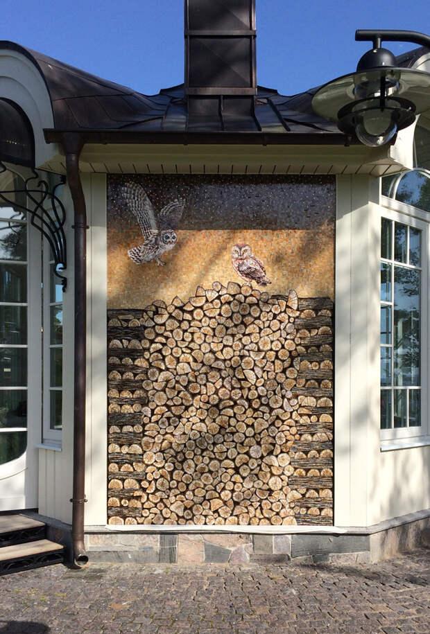 Мозаика на фасаде беседки