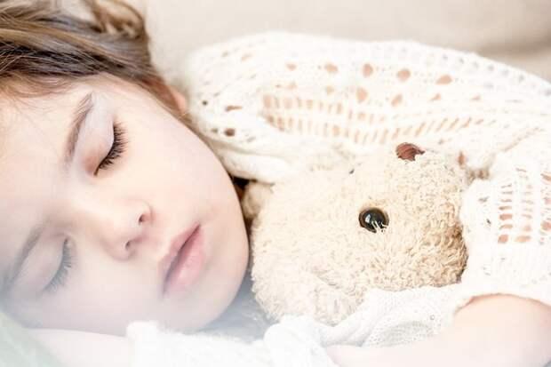 Дневной сон делает детей более счастливыми и повышает успеваемость в школе
