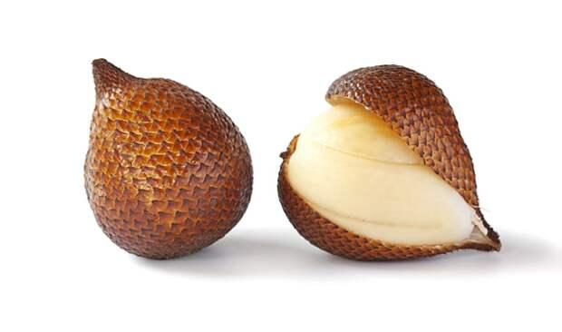 8. Салак (змеиный фрукт) фрукты, экзотические фрукты