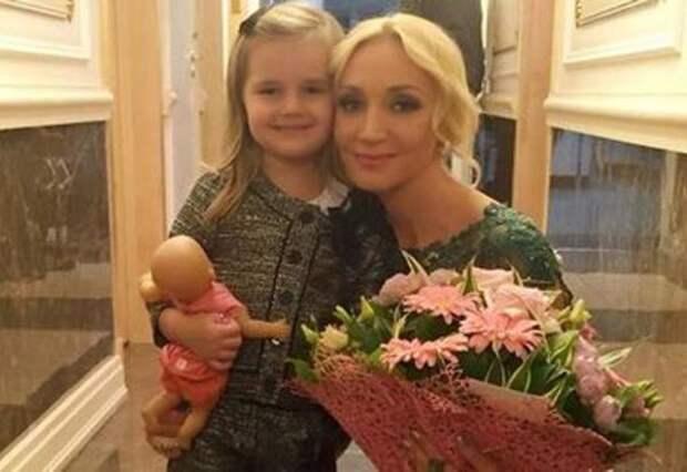 Дочь Кристины Орбакайте поразила сходством с мамой на новом фото