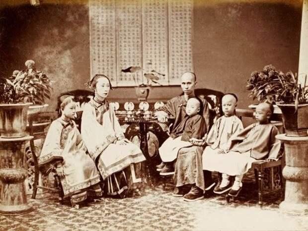 Торговец и его семья, ок. 1860-62 г.