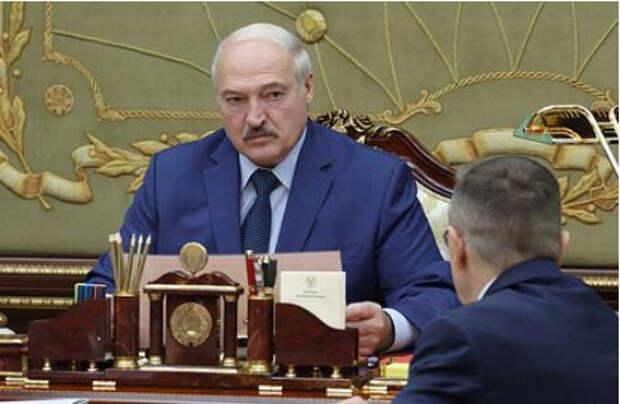 Лукашенко назвал нефтепродукты условием существования Белоруссии