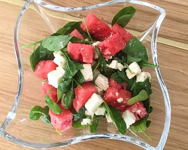 Рецепты от Маргариты Симоньян: Летний салат с арбузом и брынзой