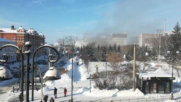 Театр юного зрителя горит в центре Томска