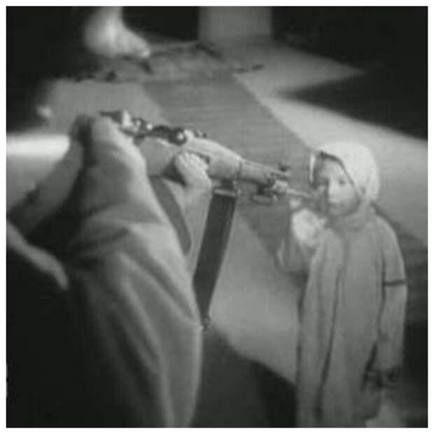 Когда кинокамера стонет от боли. Самый страшный фильм военных лет «Радуга»