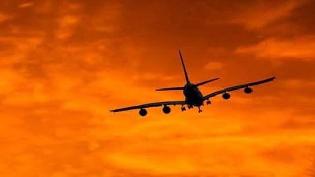 Самолет экстренно приземлился в Сплите после сообщения о бомбе
