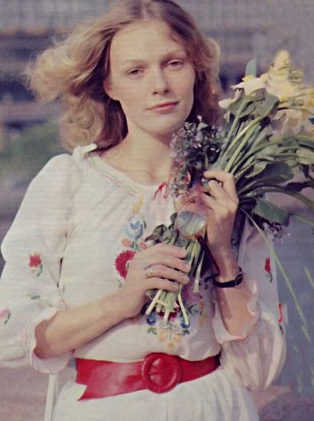 Актрисы и цветы: Наталья Андрейченко