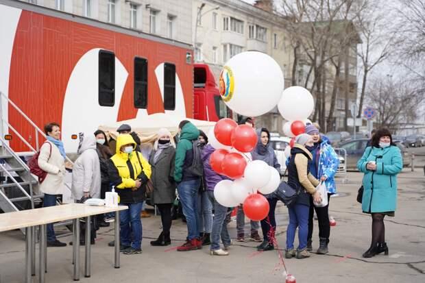 35 литров крови сдали иркутяне во время выездной донорской акции