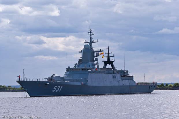 День Балтийского флота - день российской гордости