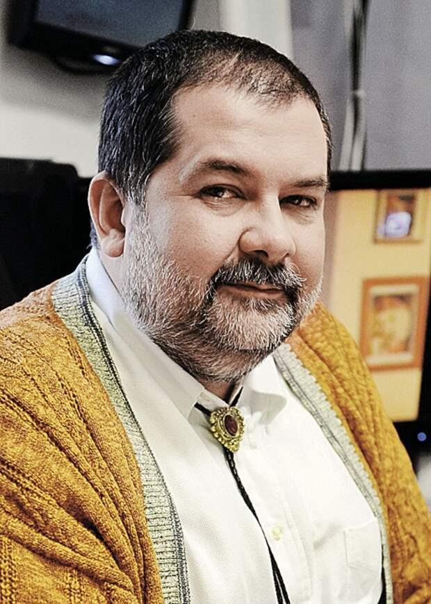 Писатель-фантаст Сергей Лукьяненко. Фото: Владимир ВЕЛЕНГУРИН