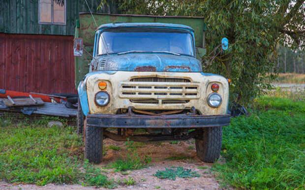 Хочу сдать в утиль старый грузовик. Надо ли везти его в ГАИ?