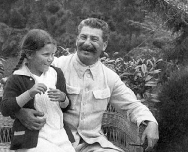 У каких лидеров СССР дети сбежали на Запад