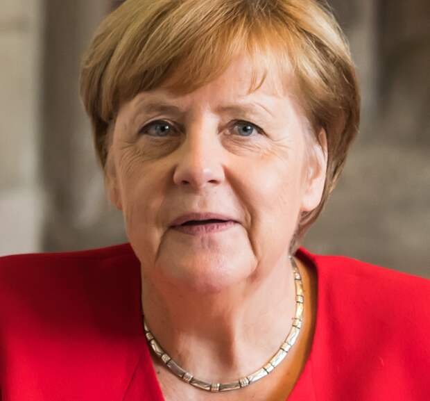 Меркель пригрозила расширить санкции против России
