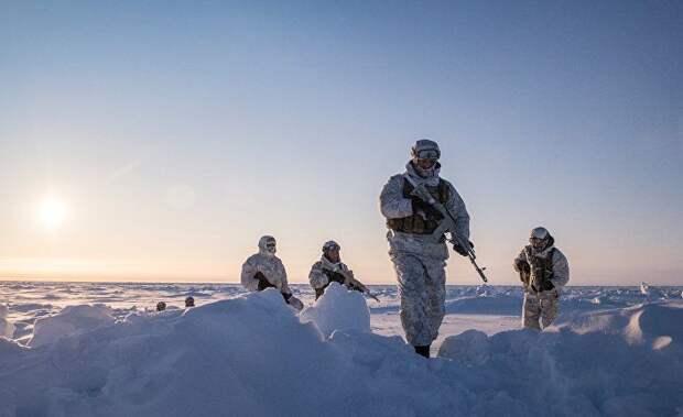 Forbes (США): США перебрасывают в Арктику подлодки и бомбардировщики — так же, как и Россия