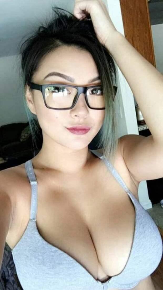 Девушки вочках— невероятно сексуальны! Ивот 30 доказательств