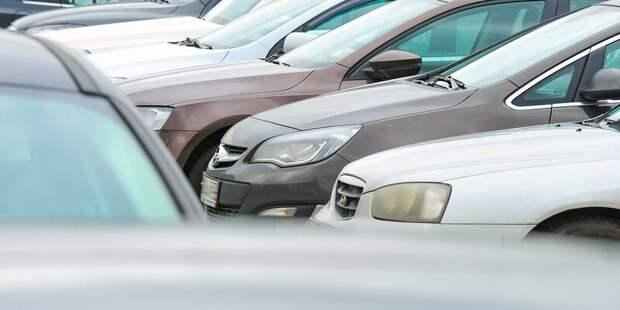 Парковка со шлагбаумом у «Сходненской» стала перехватывающей