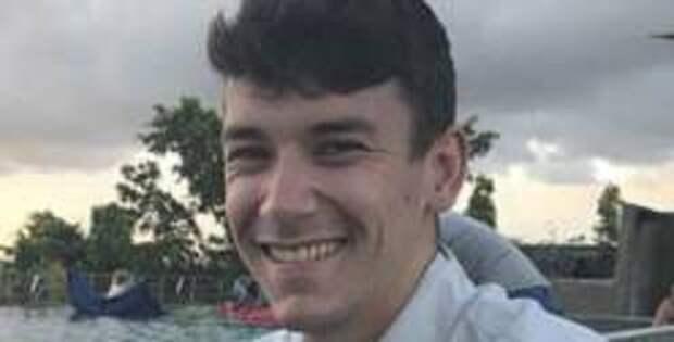 Британца не взяли в полицию из-за того, что он «белый гетеросексуальный мужчина»