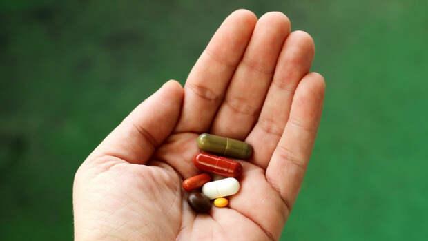 Врач объяснил, почему некоторые доступные препараты нельзя принимать без назначения