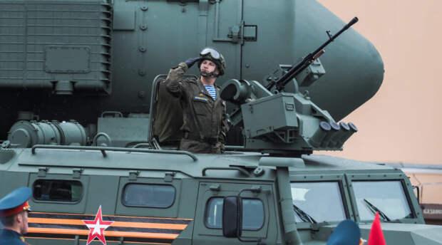 В США расхвалили российскую военную технику на Параде Победы