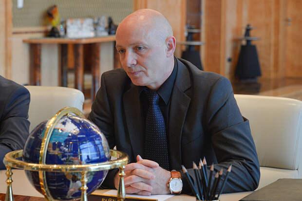 Владелец RED Aircraft Владимир Райхлин — выходец из Казани. В конце 80-х он окончил КАИ, потом занимался доводкой двигателей и форсированными испытаниями на ВАЗе