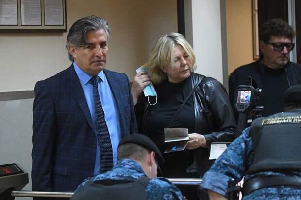 Адвокат Михаила Ефремова Эльман Пашаев.