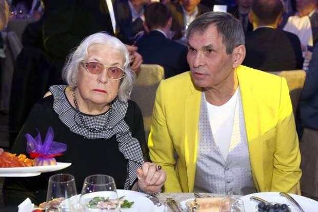 """Таролог: """"Болезнь Алибасова – это расплата за нечестный роман"""""""