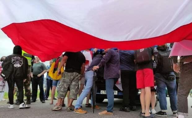 """Беглых """"змагаров"""" лишат белорусского гражданства - и повода для денежного довольствия от Запада"""