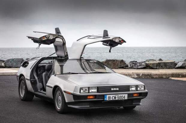У DeLorean DMC-12 были модные в то время двери «крыло чайки».