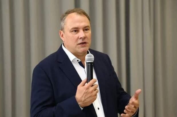 Политологи: назначение Толстого секретарем МГРО улучшит рейтинг ЕР