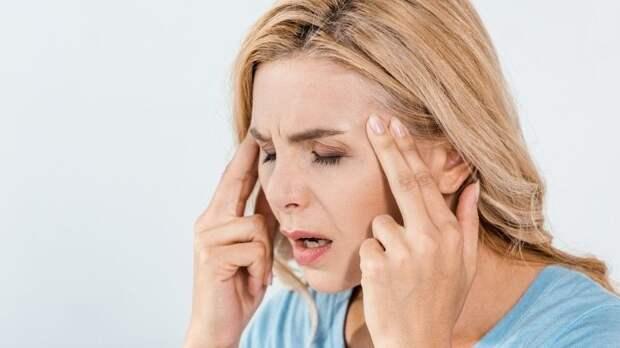 Медики назвали основные факторы возникновения мигрени
