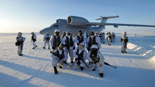"""США : """"Русским даже не придётся воевать в Арктике"""""""