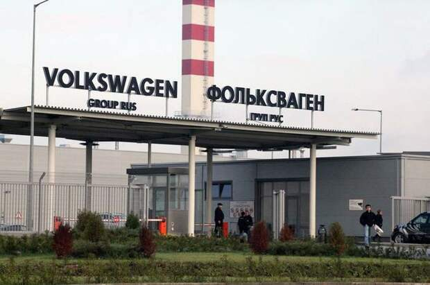 Volkswagen 10 лет завозил в Россию бензин для новых авто volkswagen, авто, автозавод, азс, бензин, завод, топливо